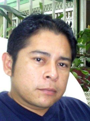 René Novoa, poeta y periodista hondureño