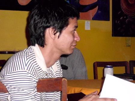 el cantautor Fernando Rey en el homenaje a Ruiz Udiel