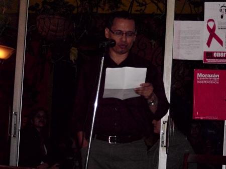 el escritor Marvin Valladares en el Homenaje a Ruiz Udiel