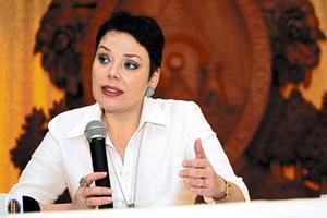 Beatriz-Valle-fungio-como-embajadora-de-Honduras-en-Canada-y-como-vicecanciller-de-la-administracion-Zelaya-Rosales.-Beatriz-Valle-asegura-que-solo-ganaba-4-444-dolares-en-Canada_noticia_full